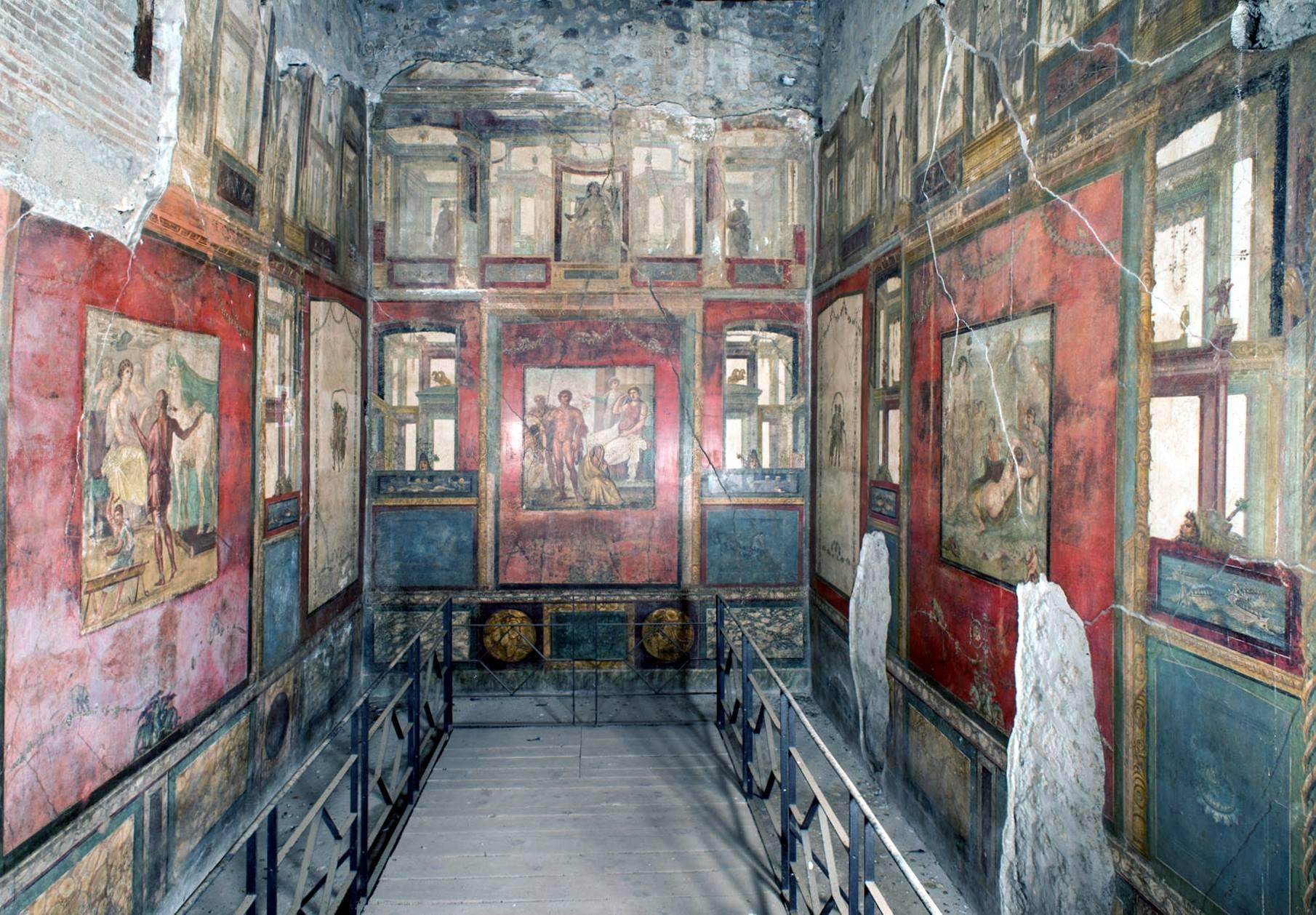 Gli affreschi del triclinio della Casa dei Vettii, a Pompei