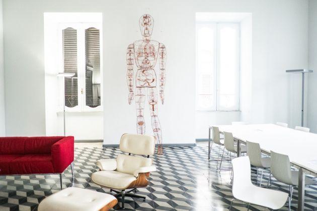 Inaugurazione Comin & Partners, Roma - Gianluca Malgeri, Homo logos, veduta dell'allestimento