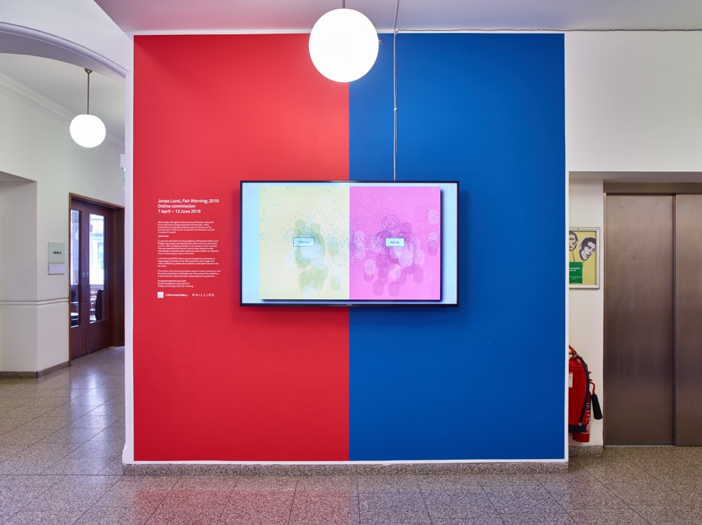 Jonas Lund, Fair Warning, 2016 - installation View at Whitechapel Gallery, Londra 2016 - photo Stephen White