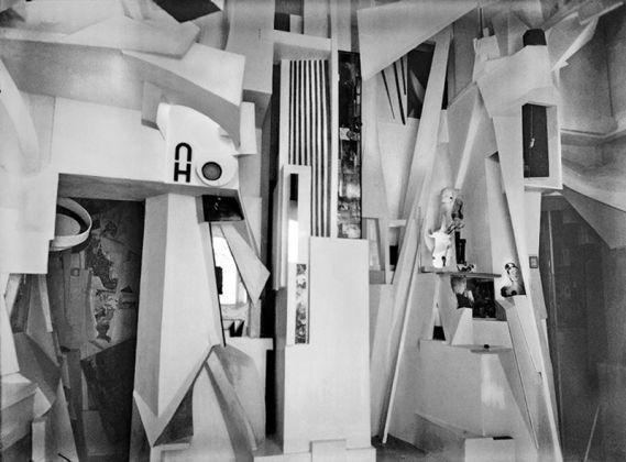 Kurt Schwitters, Merzbau. Photo Wilhelm Redemann, 1933