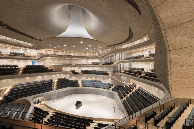La Elbphilharmonie di Herzog & De Meuron (foto Iwan Baan)