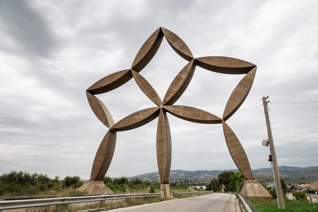 La Stella di Pietro Consagra a Gibellina Nuova, foto Felipe Garcia by Flickr
