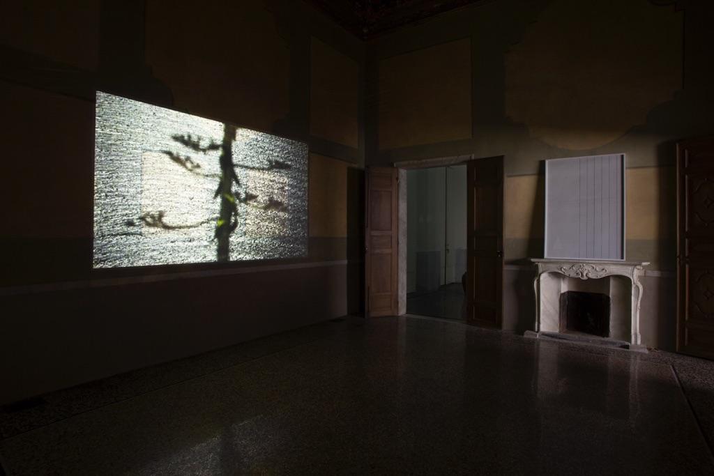 Pavilion Suite, exhibition view, opere di Daniel Gustav Cramer. Photo Gaia Cambiaggi, ©THEVIEW, 2016