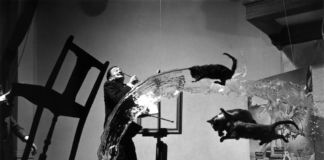 Philippe Halsman, Dalí Atomicus, 1948 – MoMA, New York