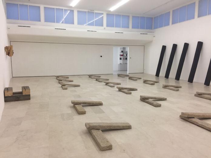 Richard Nonas – River-Run - exhibition view at P420, Bologna 2016