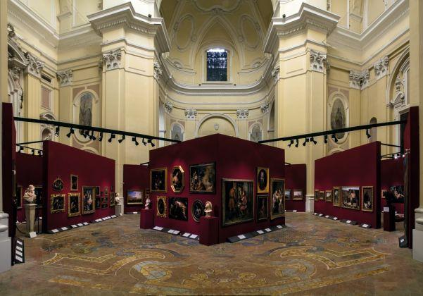 Tesori nascosti. Exhibition view at Basilica di Santa Maria alla Pietrasanta, Napoli 2016. Photo Andrea Sbardellati