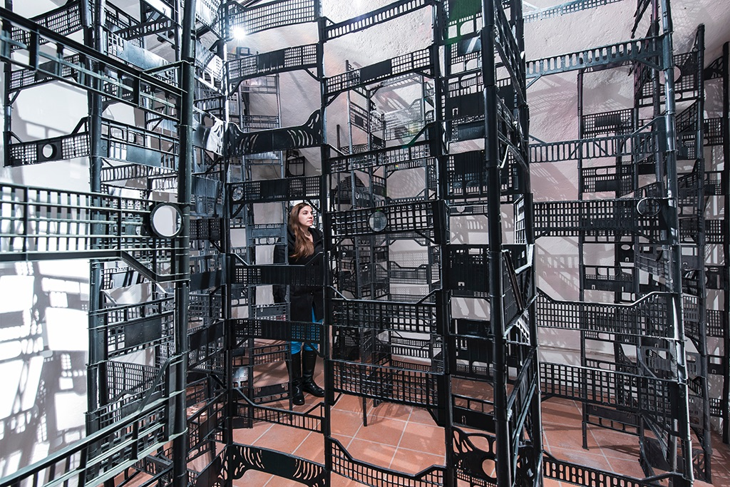 Victoria DeBlassie, The Gestalt of a Crate, 2016