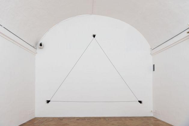 Annette Messager, Gants triangle. Villa Medici, Roma 2017. Photo Giorgio Benni
