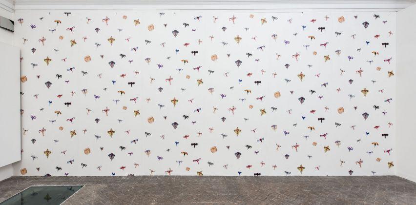 Annette Messager, Les utérus fleurissent chez Balthus. Villa Medici, Roma 2017. Photo Giorgio Benni