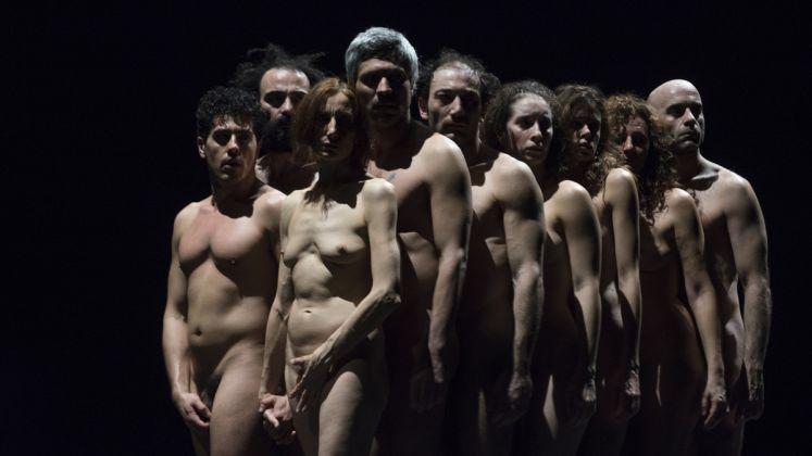 Bestie di Scena, regia Emma Dante, produzione Piccolo Teatro di Milano. Foto ©Masiar Pasquali