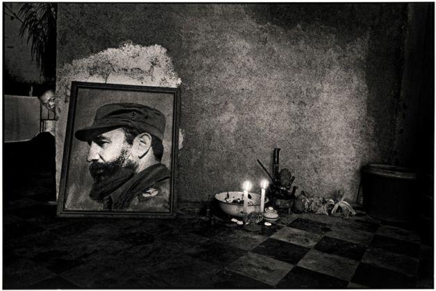 Ernesto Bazan, Santeria altar, Havana, 1995