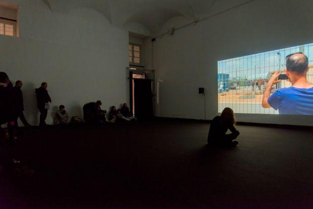 Guy Ben-Ner – Escape Artists, exhibition view at Pinksummer, Genova, photo Alice Moschin