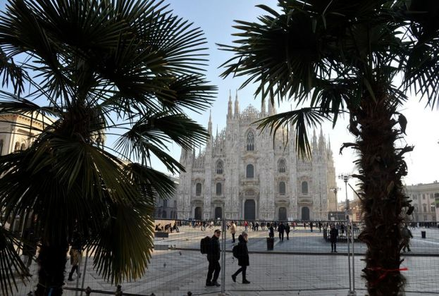 La palme in Piazza Duomo. Ph. Fb, Comune di Milano