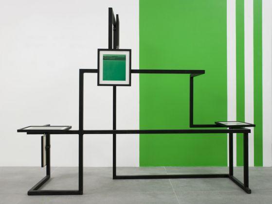 Marco Strappato, FakeLake n. 4 – 8, 2011, 5 collage incorniciati montati su una struttura d'acciaio, dimensioni ambientali