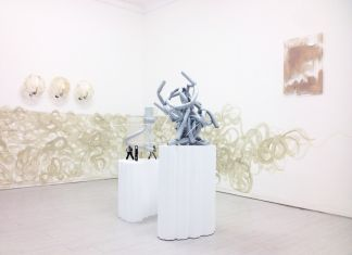 Nicola Gobetto. Hands up, Hands tied. Instalaltion view at Galleria Davide Gallo, Milano 2017