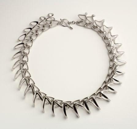 Stefania Lucchetta, Drago 2, 2003, collana, argento rodiato