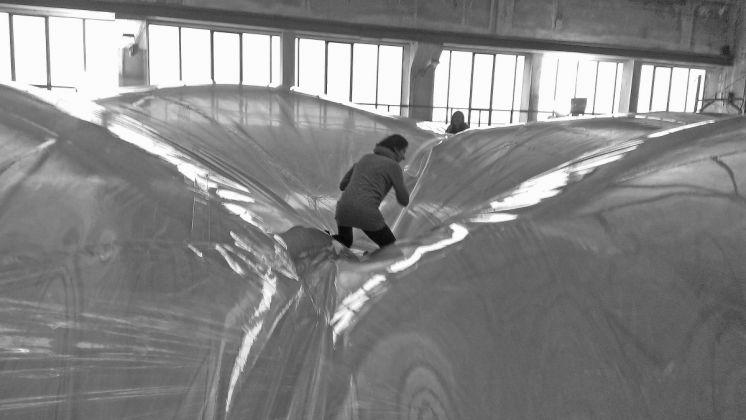 Tomás Saraceno, On Space Time Foam, HangarBicocca, Milano 2012