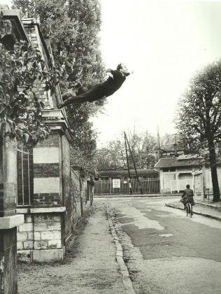 Yves Klein, Le saut dans le vide (Il salto nel vuoto), 1960