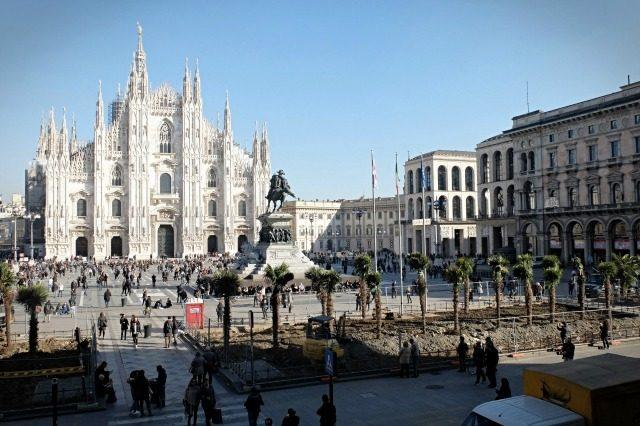 Piazza Del Calendario 3 Milano.Le Palme Di Piazza Duomo Sono Di Marco Bay Artribune