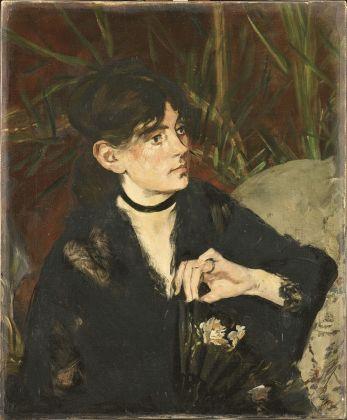 Édouard Manet, Berthe Morisot con il ventaglio, 1874, olio su tela, 61 x 50,5 cm, Parigi, Musée d'Orsay © René-Gabriel Ojéda – RMN-Réunion des Musées Nationaux – distr. Alinari