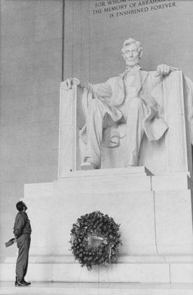Alberto Korda, Castro al Lincoln Memorial, Washington, aprile 1959