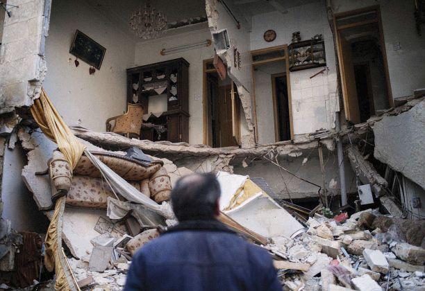 Andoni Lubaki, The world goes round, Syria, 3 gennaio 2013