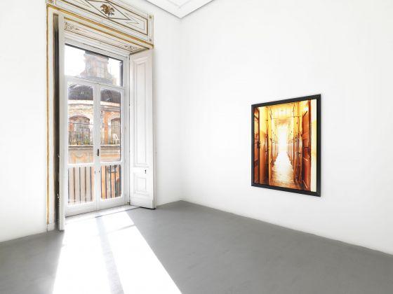 Andres Serrano. Torture. Exhibition view at Galleria Alfonso Artiaco, Napoli 2017. Photo Luciano Romano