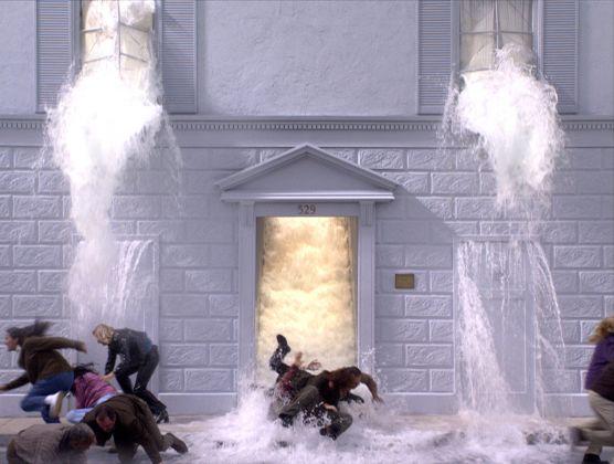 Bill Viola, The Deluge (Going Forth By Day), 2002, 36'. Installazione video-audio. Courtesy Bill Viola Studio
