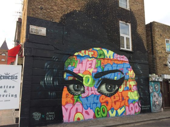 Captain Kris in collaborazione con Amara por Dios, London