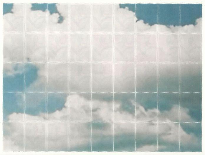 Edoardo Aruta, Tra cielo e terra, 2013, stampa inkjet su francobolli, 18 x 22 cm. Collezione privata