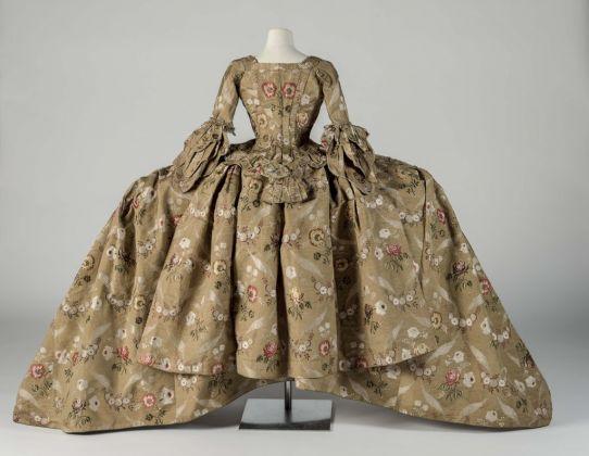 Eighteenth Century Court Mantua, 1748–1750. Courtesy Fashion Museum Bath