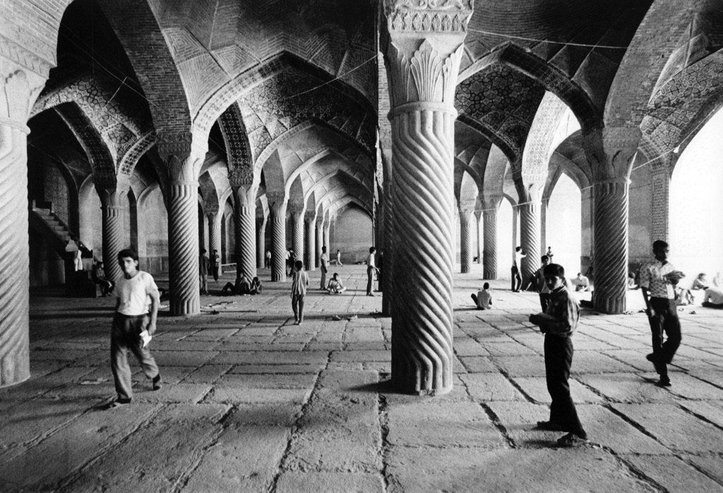 Gabriele Basilico, Iran, 1970, vintage gelatine silver print, cm 30x40
