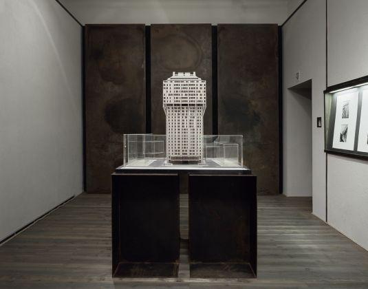 Grattacieli. Installation view at Fondazione Ragghianti, Lucca 2005