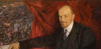 Isaak Brodsky, V. I. Lenin e manifestazione, 1919. Olio su tela, 90 x 135 cm. Museo Storico di Stato. Foto (c)con l'assistenza del Museo Storico di Stato e del Centro Esposizioni ROSIZO. Courtesy Royal Academy of Arts, Londra