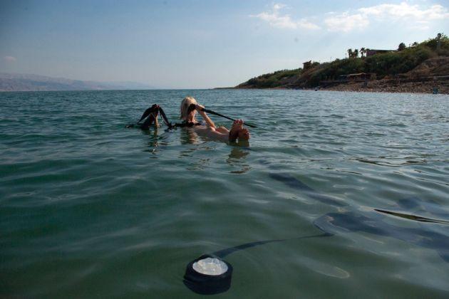 Jennifer West, Dead Sea. Photo Karen Russo