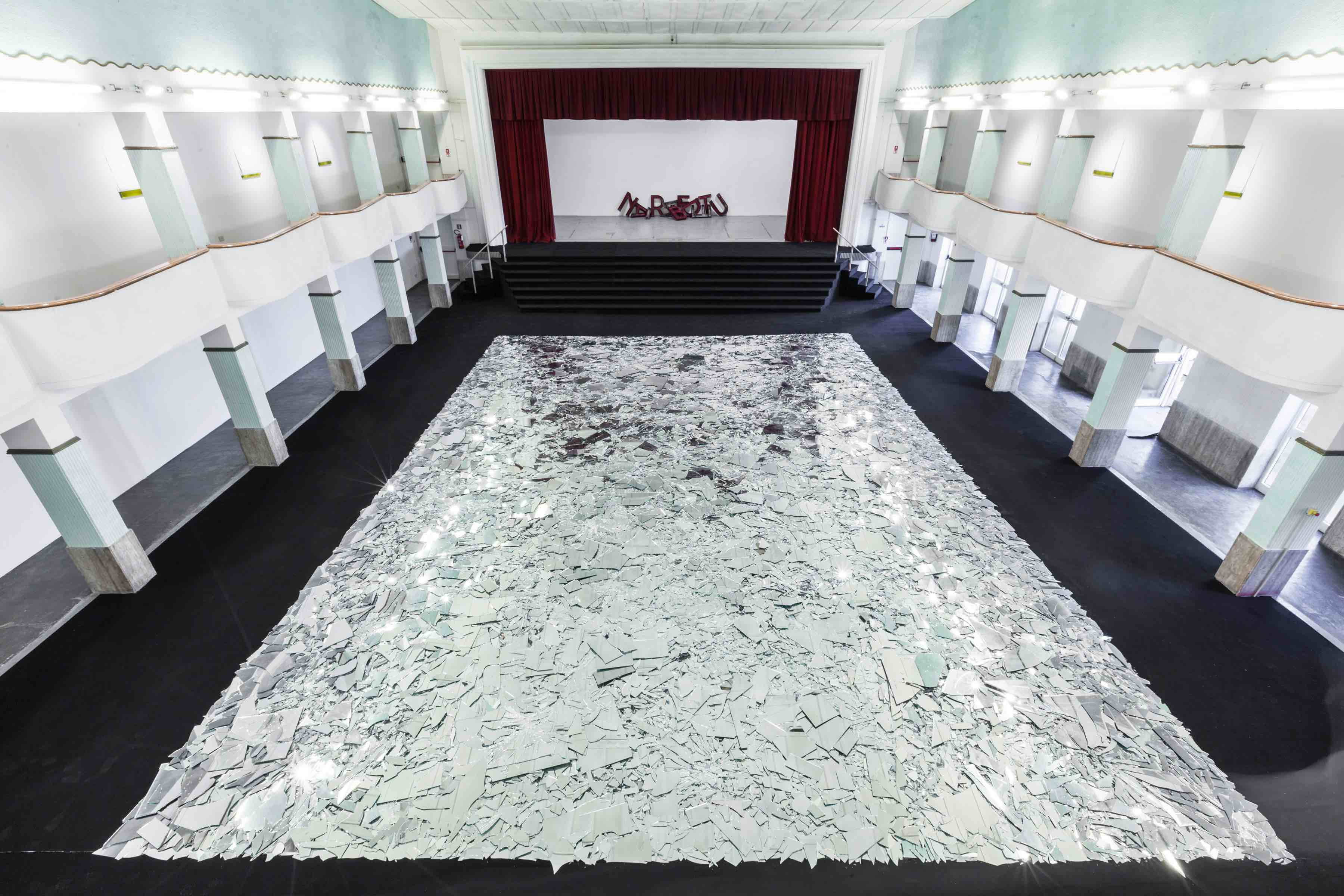 Kader Attia, Le grand miroir du monde, 2017. Courtesy the artist & Galleria Continua, San Gimignano, Beijing, Les Moulins, Habana