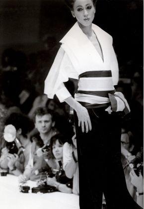 La camicia bianca secondo Gianfranco Ferre – Collezione 1982 Primavera-Estate Pret a porter
