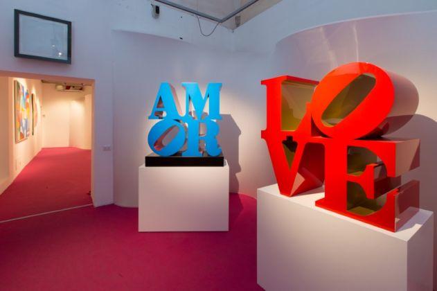 Love. Robert Indiana. Installation view at Chiostro del Bramante, Roma 2017. Photo Giovanni De Angelis