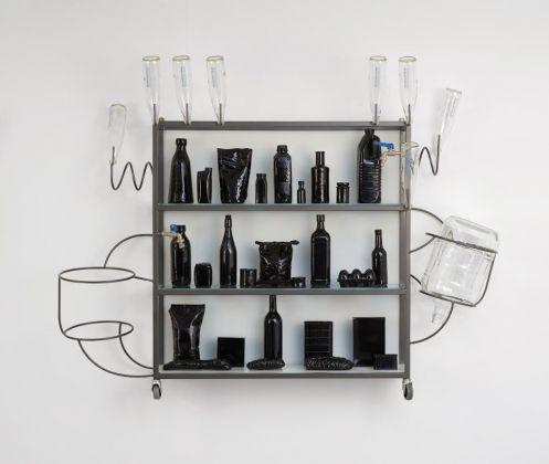 Lucy + Jorge Orta, Epicerie ‐ Vitrine (miroir blanc)