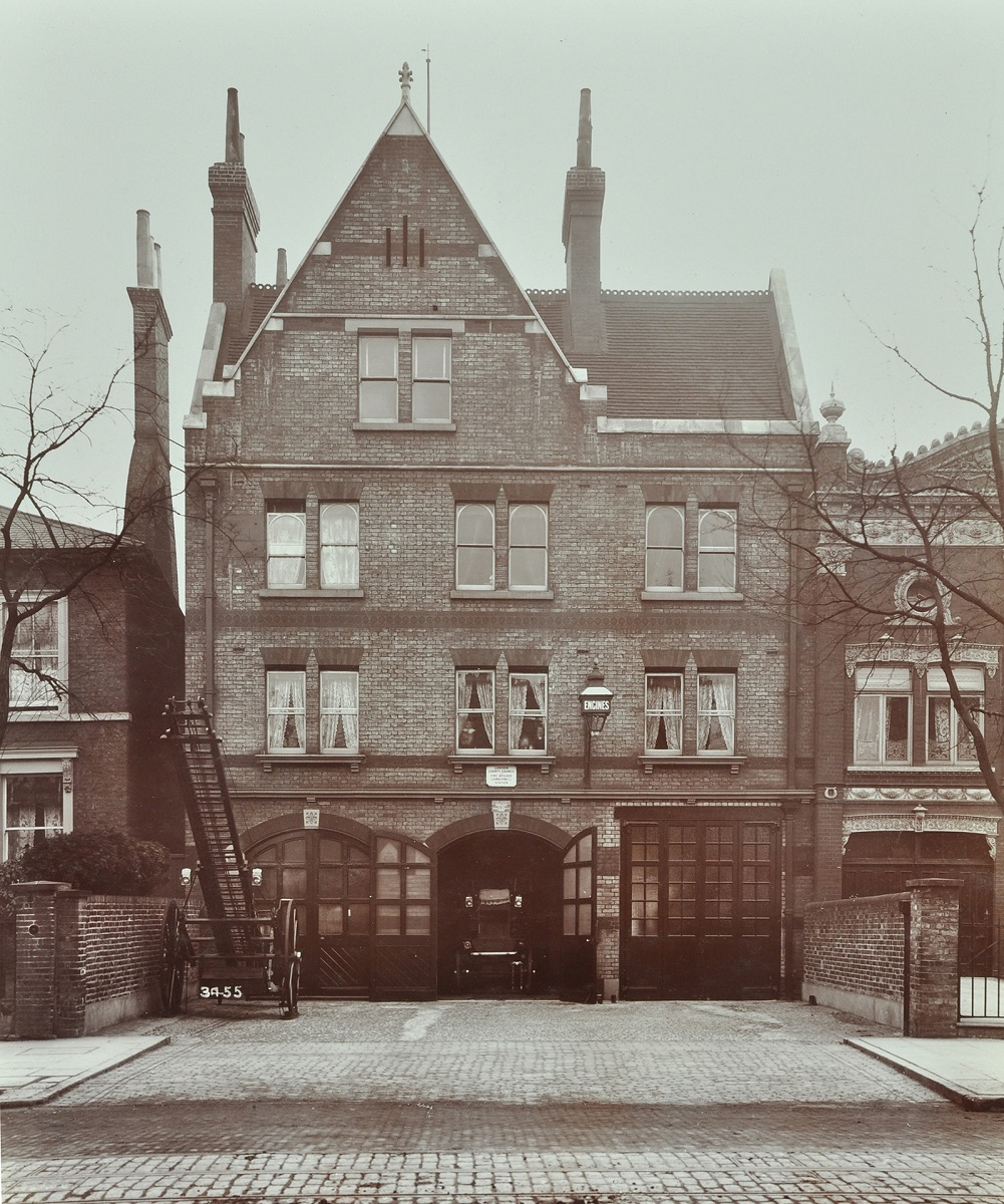 Peckham Road Fire Station, 1905, Londra. Ph. London Metropolitan Archives, City of London