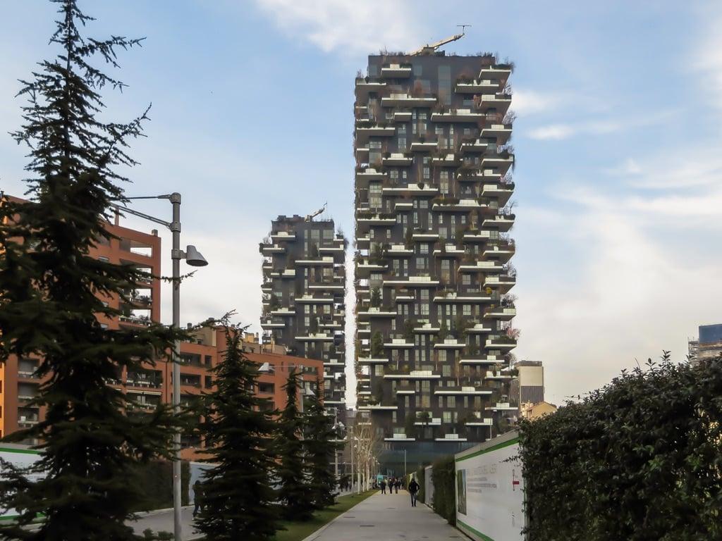 Stefano Boeri Architetti, Bosco Verticale, Milano. Photo Erika Pisa
