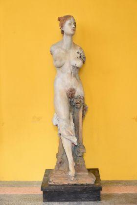 Ugo Riva, Anita la rossa, 1989, terracotta policroma