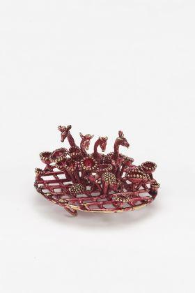 Robert Baines, Endangered Pink, spilla