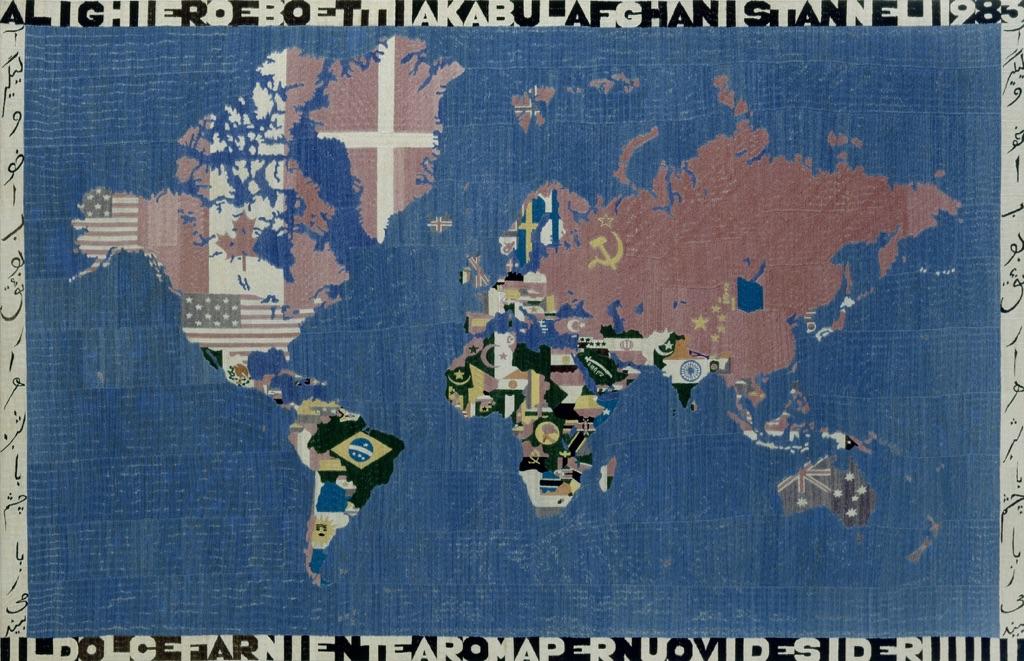 Alighiero Boetti, Mappa, 1983. Sammlung Migros Museum für Gegenwartskunst,Zurigo. Photo Migros Museum für Gegenwartskunst, Zurigo