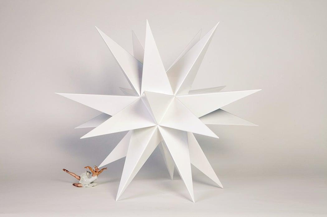 Andrea Salvatori, Stars III, 70 x 100 x 85 cm, 2011, ceramica e porcellana