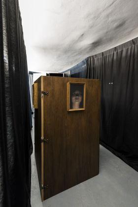 Campo Grossi Maglioni, Do Spirits Return. Macchina Dematerializzante e Gabinetto Spiritico per l'apparizione di corpi dispersi. AlbumArte, Roma 2017. Photo Sebastiano Luciano