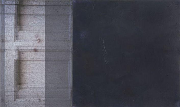 Claudia Peill, Il suo rovescio, 2017, acrilico su tela e base fotografica, 60x100 cm