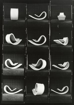 Dondolo, 1967. Composizione di provini a contatto, 30 x 24 cm. Courtesy Archivio Architetto Cesare Leonardi. Foto Cesare Leonardi