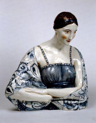 Gio Ponti & Gigi Supino, Busto femminile, 1923, terraglia policromata. Milano, Castello Sforzesco, Civiche Raccolte d'Arte Applicata