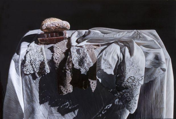 Giuseppe Carta, Grande tovaglia metafisica con pane, 2000-01
